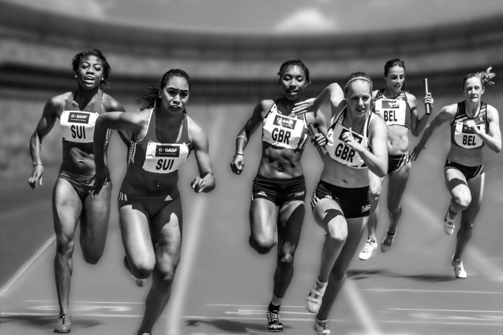 people-running-like-a-marathon